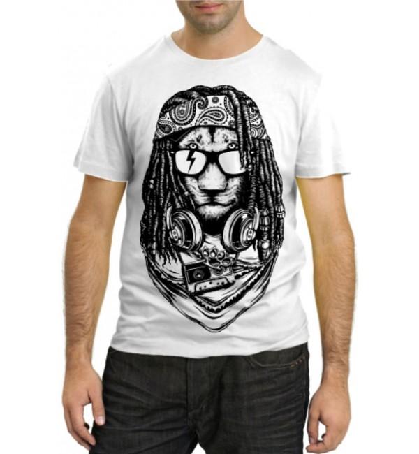 Модная футболка Лев растаман