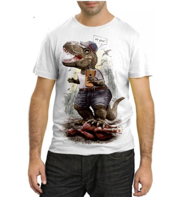 Модная футболка Раптор делает селфи