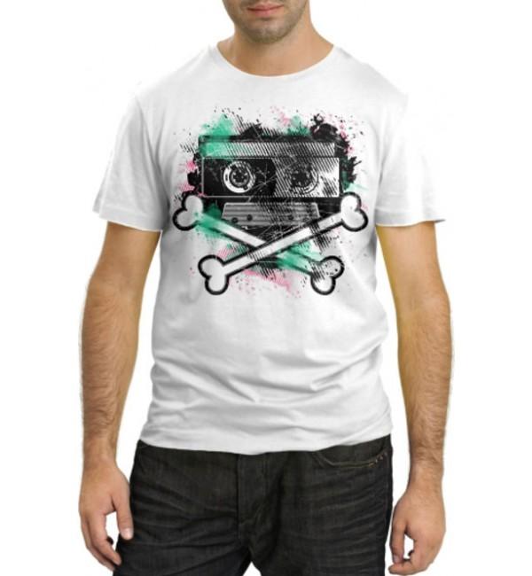 Модная футболка Кассета