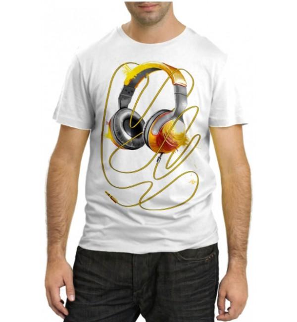 Модная футболка Музыкальные наушники